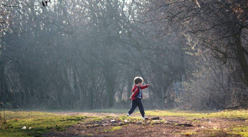 Buitenspelen is gezond en belangrijk voor een kind